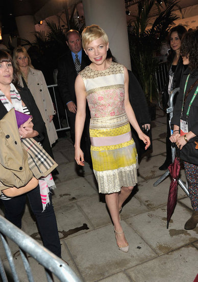 ladyposts:  Michelle Williams wearing Giamattista Valli