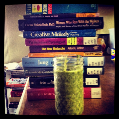 Apple, strawberry, cucumber, kale, tangerine, coconut oil, and oat bran #smoothie. Let the day begin.