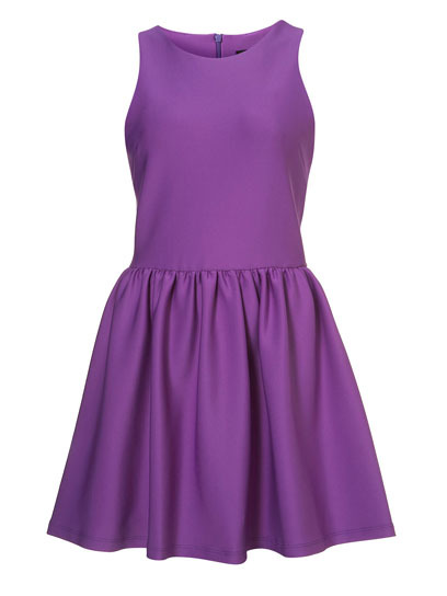 Revel in receiving your diploma in style with a feminine full-skirted frock. Load up on colorful and sparkling jewelry for an extra punch.  See more in our guide 100 pretty graduation dresses here » topshop.com