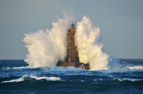 "gros temps en mer d'iroise aujourd'hui….""four"" lighthouse…france, brittany by frederic. on Flickr."