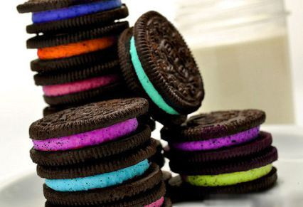 sarahloves3:  RAINBOW OREOS