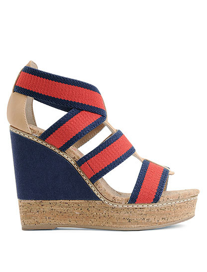 Pumped about these nautical-inspired wedges from Splendid! (See what I did there? a well-heeled pun…ok, I will stop my bad humor there) Definitely worth the half of my paycheck I spent on them yesterday. Nautical is the ultimate example of the forever summer.