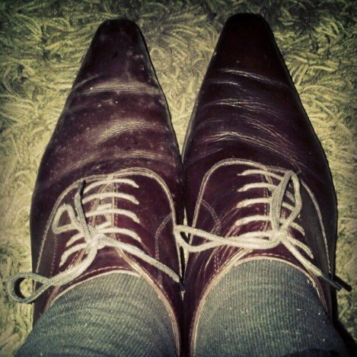 Shoes of the day *lupagadisikatdemeksebelah | #fail #instandroid #instadaily #shoes #moment  (Taken with instagram)