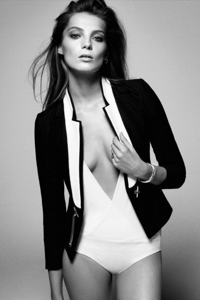 the6milliondollarstory:  Daria Werbowy  // Vogue Australia by Daniel Jackson, June 2012.