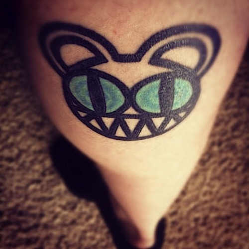 fuckyeahtattoos:  Radiohead kept me up when life was getting me down.  I got this to pay my respect for such amazing music :)