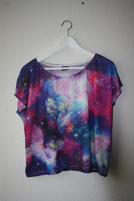 gotikprincess:  i want a galaxy shirt.