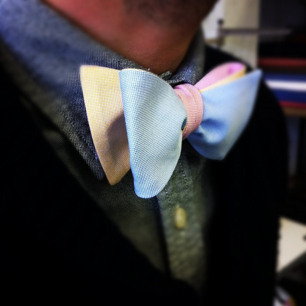 grandvisions:  Spring detail craze. Oxford bow tie by Dolbeau.