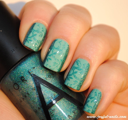 China glaze - For audreyMake up store - CharmaineBm20