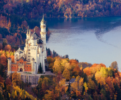 bluepueblo:  Neuschwanstein Castle, Bavaria, Germany photo via whoops