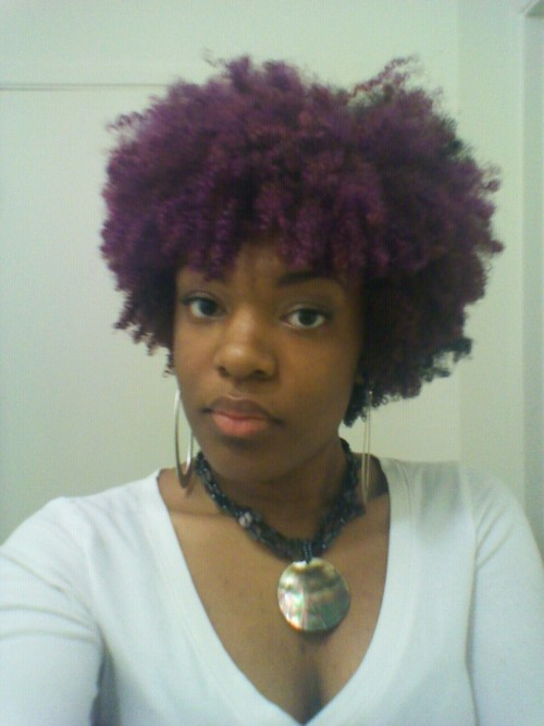 dontgettoodeep:  I really love my purple hair.