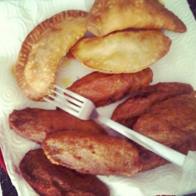 gwenreyes:  Pastelitos & Alcapurrias #boricua #food (Taken with instagram)