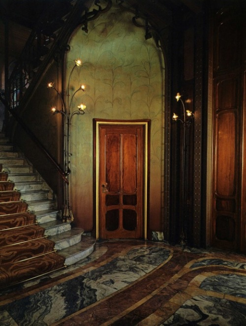 2ways2cwords:  casabet64: Evelyn Hofer Maison Solvay, Door, Brussels, 1985