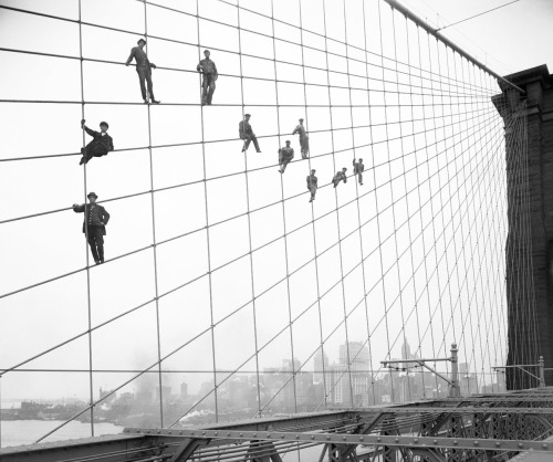 dawnw:  (via Historic Photos From the NYC Municipal Archives - In Focus - The Atlantic) If you live in New York and haven't seen these yet, you need to click through immediately. Amazing photos.