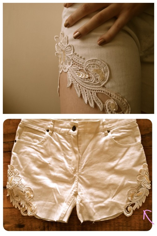truebluemeandyou:  DIY Cut Off Jean Lace Shorts. Another easy and pretty tutorial from Clones & Clowns here.