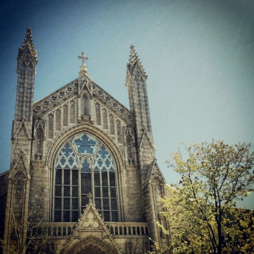 Holyrood Church on 179 and Fort Washington #instagramuptown #inwood #washingtonheights #uptown #newyork #city #nyc #church  (Taken with instagram)