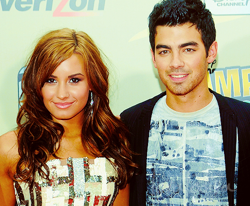 I miss Demi Lovato & Joe Jonas .