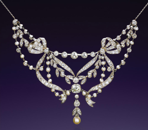 belle epoque diamond and pearl necklace and tiara