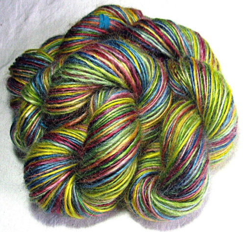 lizardtakesflight:  (via Handspun Yarn Single Ply Kid Mohair 'Happy by SheepingBeauty)