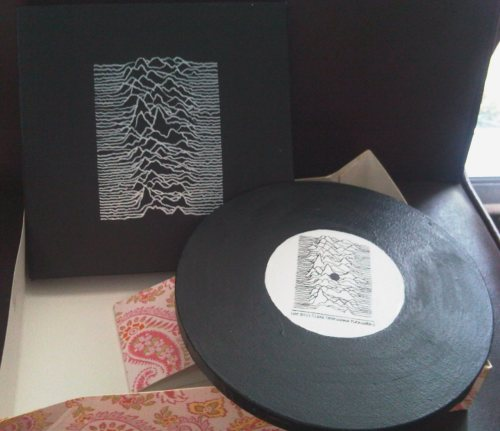 Unknown Pleasures - acrylic on canvas here's a ~low-tech record sleeve & vinyl i made for my friend's birthday. it's her #1 most favorite record of all time….so i gave her these paintings.