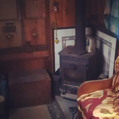 #Cosy #narrowboat #houssitting #Brentford #London #UK  (Taken with instagram)