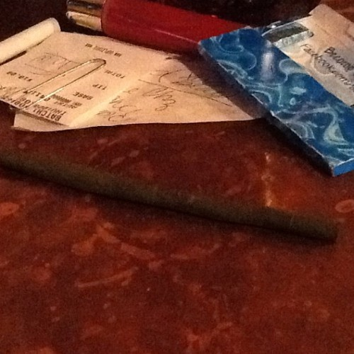 Late night after work blunt. #masterbluntroller #trainwreck #goodkush #pasquales #goodtimes #sundayfunday #igdaily #instagram #favoritevartenders #worksucks #motherrussia #stride #lipgloss #receipt #paperclip #coppercounter #hightimes  (Taken with Instagram at Pasquale's)