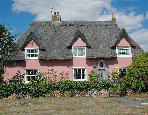 pie-nya:  Clemont Cottage Essex England (by madrowaid)