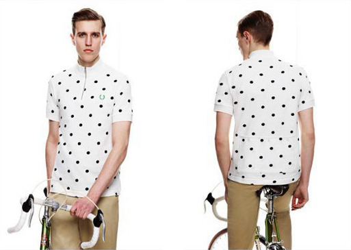 I wish they would make the Fred Perry cycling collection in a lycra friendly cut.