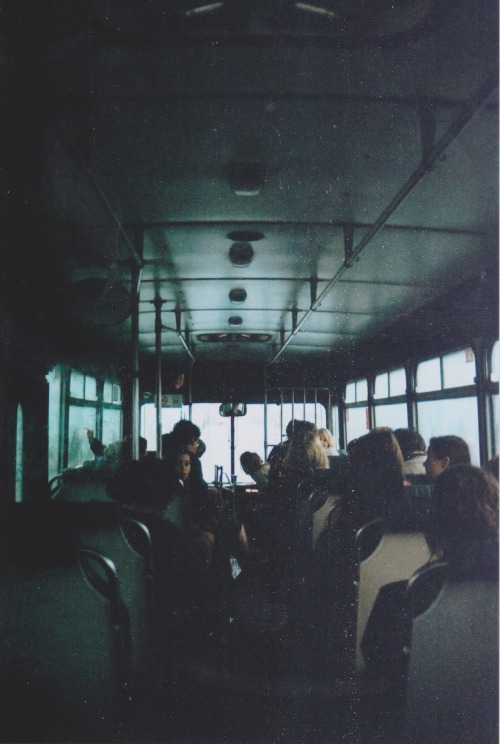 experimentingfilm:  Morning bus to school.