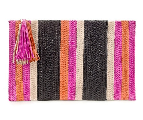 glamour:  A fun straw striped clutch at Zara. It's not quite summer yet but a girl can pretend. Plaited clutch, $90, zara.com