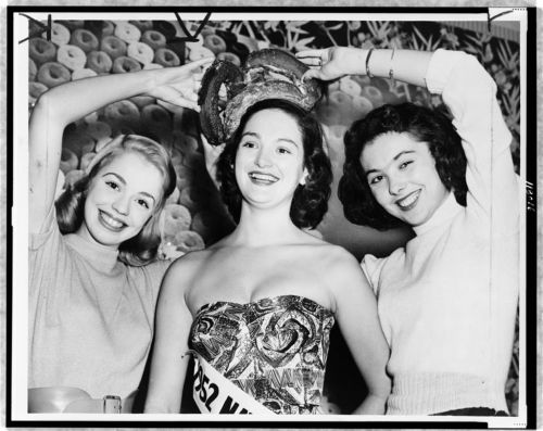 locpix:  National Doughnut Queen. 1952  [I want to meet a doughnut queen…]