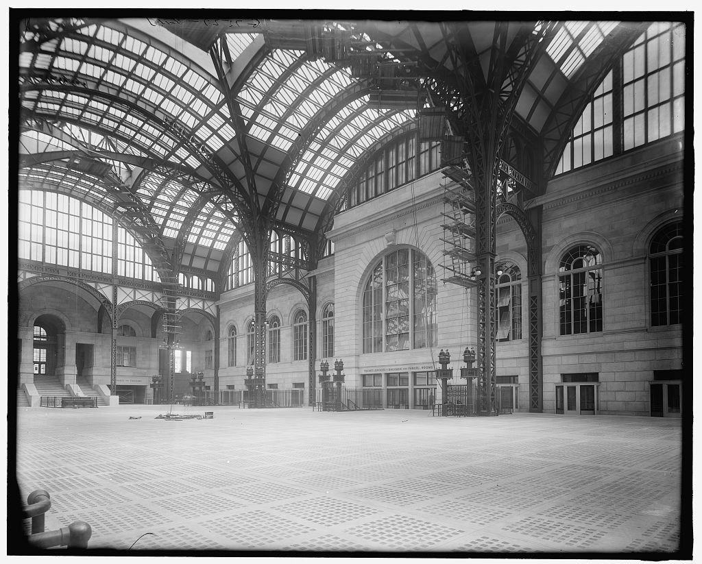 archimaps:  On the concourse at Pennsylvania Station, New York