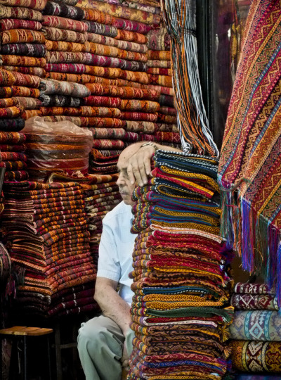 ileftmyheartinistanbul:  Carpet Shop (via Nora Kovacs)