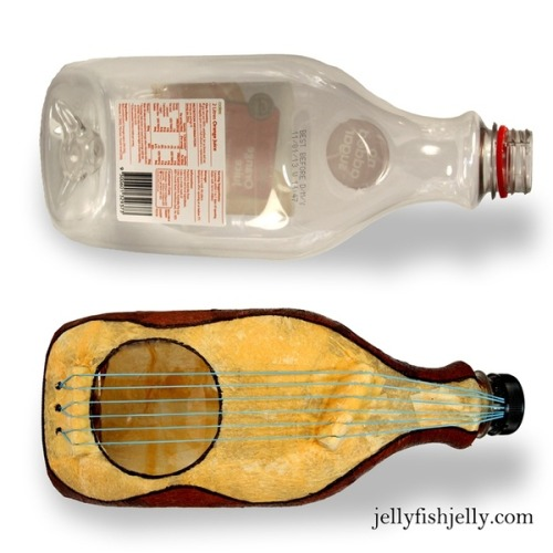 rainbowsandunicornscrafts:  DIY Plastic Bottle Guitar. They also have an easier plastic takeaway container version. Detailed tutorial and PDF for this project at Jellyfish Jelly here.