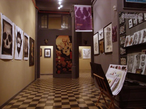 "alohatattoos:  LA COBRA NEGRA TATTOO ART GALLERY ""BARCELONA FROM HELL"" BARCELONA 2012"