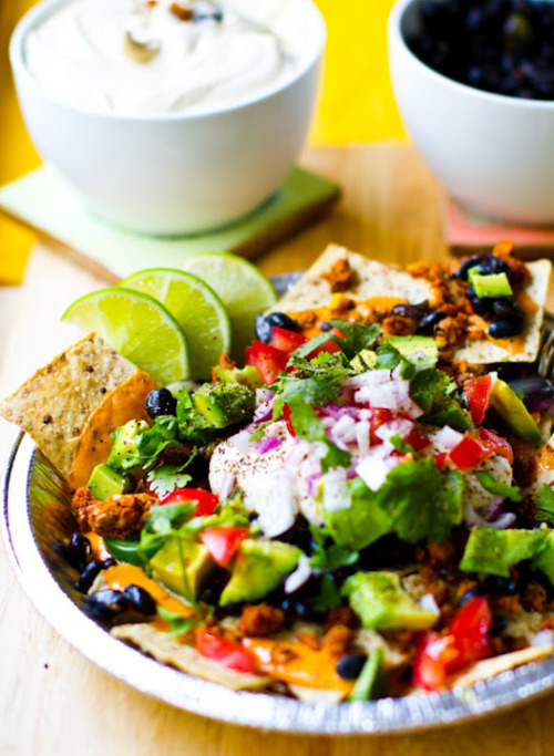 gastrogirl:  vegan nachos for cinco de mayo.