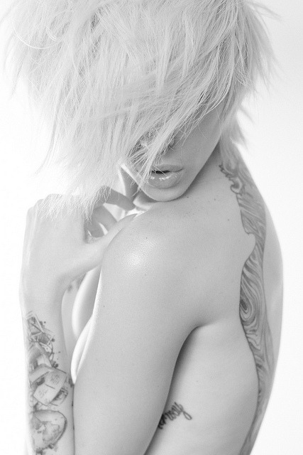 alysha nett on Flickr.  Alysha Nett photographed by Eloy Anzola / groovylab