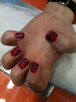 wahnails:  PINK TO PURPLE FADE WITH ZEBRA PRINT BY HELLS - IN GEL POLISH - NO CHIPPING FOR UP TO 3 WEEKS!!!! GET YOURS DONE!