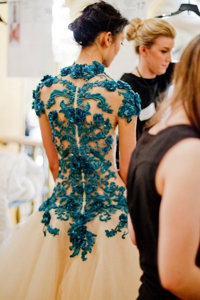 AHHHHH-MAZING!!  Backstage Marchesa