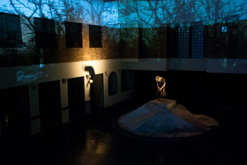 Projection Mapping for Lear and His 3 Daughters by B-Floor Theatre