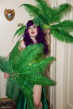 Reefer Maidness by exoskeletoncabaret on Flickr.