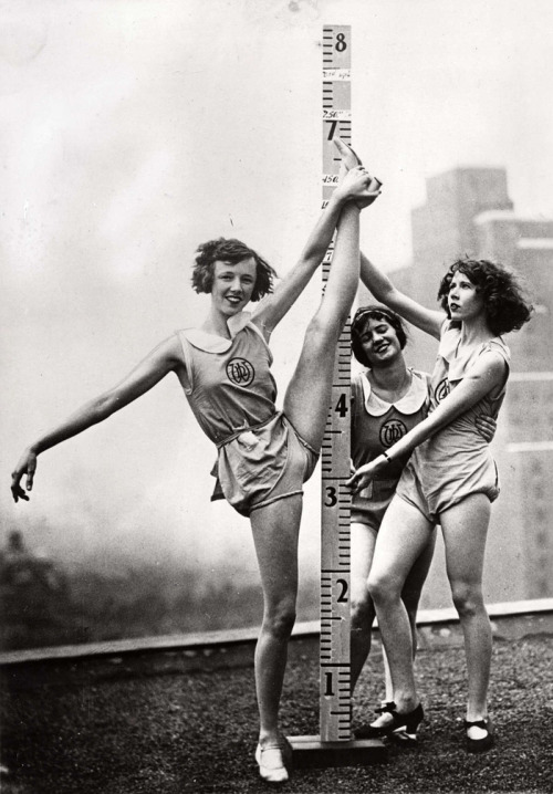 vintagegal:  Ballet-training in New York, 1931