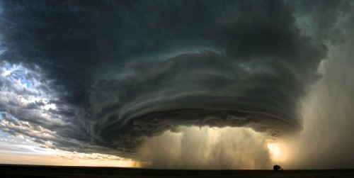 mmmearthporn:  Mesocyclone inside supercell thunderstorm