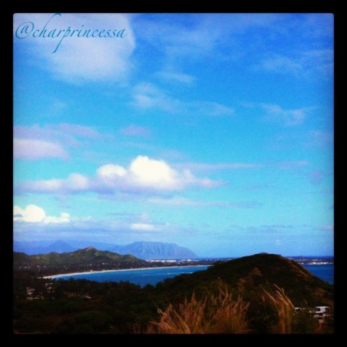 Pillbox hike #sky #clouds #oahu #808 #hnl #instagram #igers #iphoneonly #iphone4 #Lanikai (Taken with instagram)
