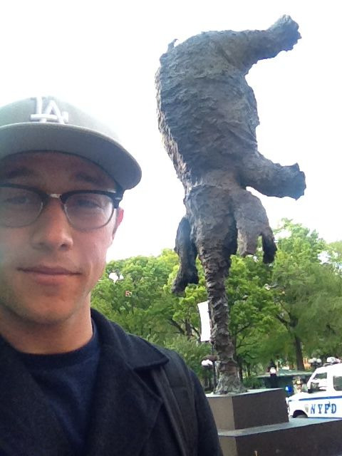 hitrecordjoe:  New sculpture in Union Square. I <3 NY. #Elephants  elePhant TWeRK