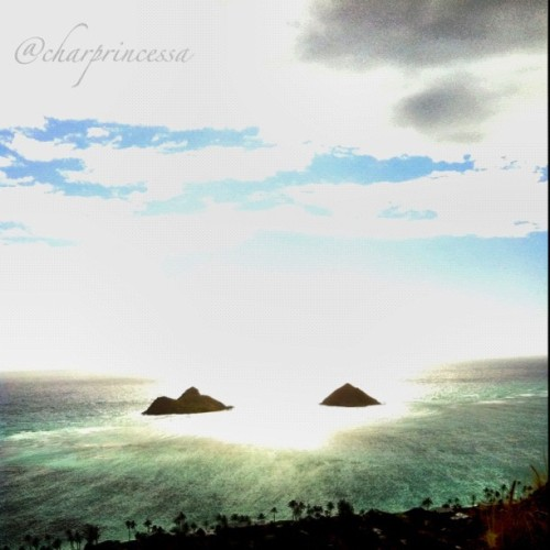 "Pillbox Hike ""The Mokes"" #paradise #water #beach #sky #clouds #oahu #808 #hnl #instagram #igers #iphoneonly #iphone4 #lanikai #sun (Taken with instagram)"