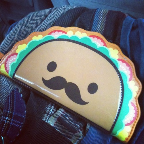 h0spitalstay:  My wallet is cooler than yours. (Taken with instagram)  sooo cute