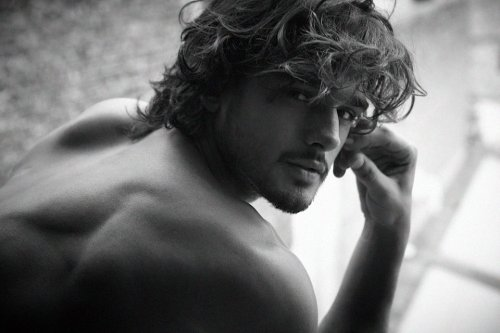 pretty-distracting:  Marlon Teixeira.  Photo by Nicolas Valois during Marlon's recent visit to Paris.