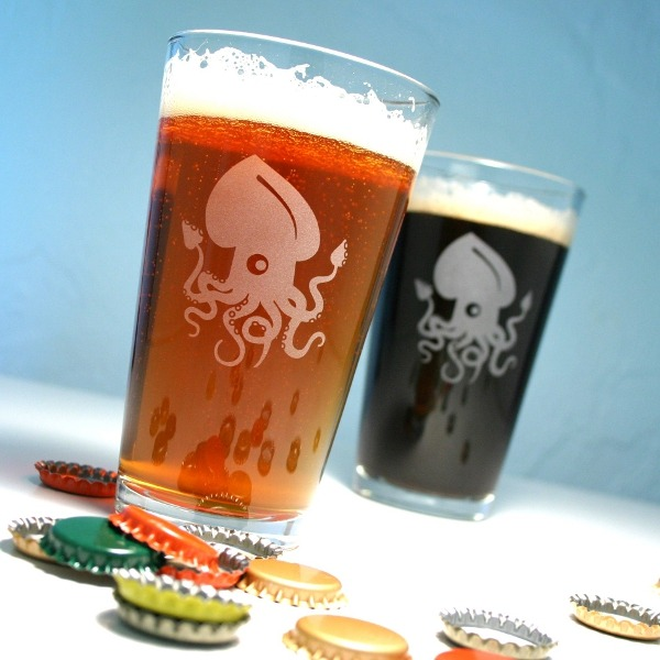 laughingsquid:  Squid Pint Glasses