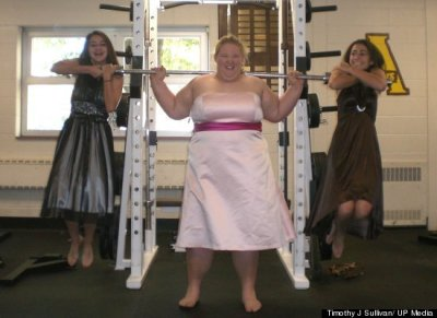 desadesfatgirl:  Holley Mangold, the 323-pound woman in perfect physical shape, is highly favored to compete on the 2012 U.S. Olympic weightlifting team.