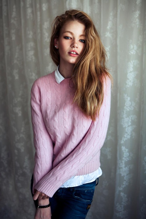 fuckyeahvintagediary:  Hollie-May Saker by Luc Coiffait